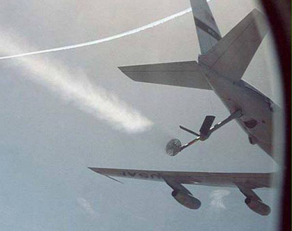EXPOSED-Photos-From-INSIDE-Chemtrail-Planes-32