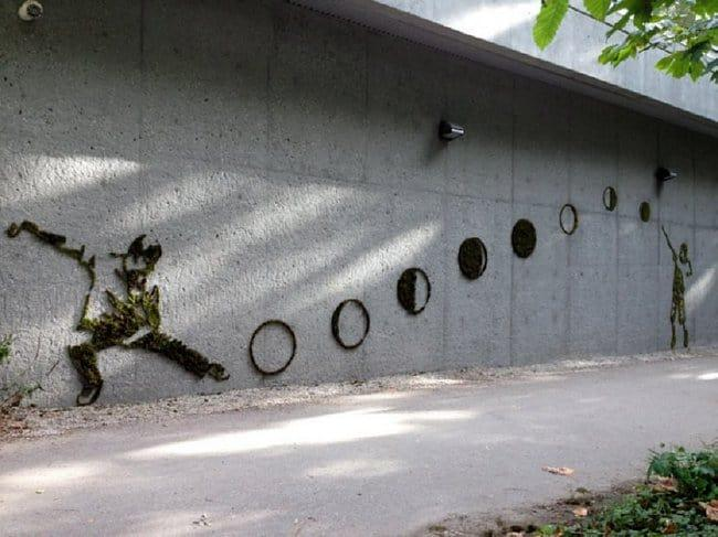 ball-player-moss-graffiti