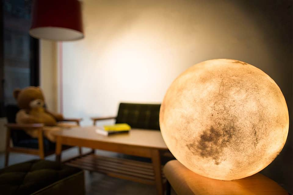 acorn-studio-luna-moon-lamp-ShockBlast-3