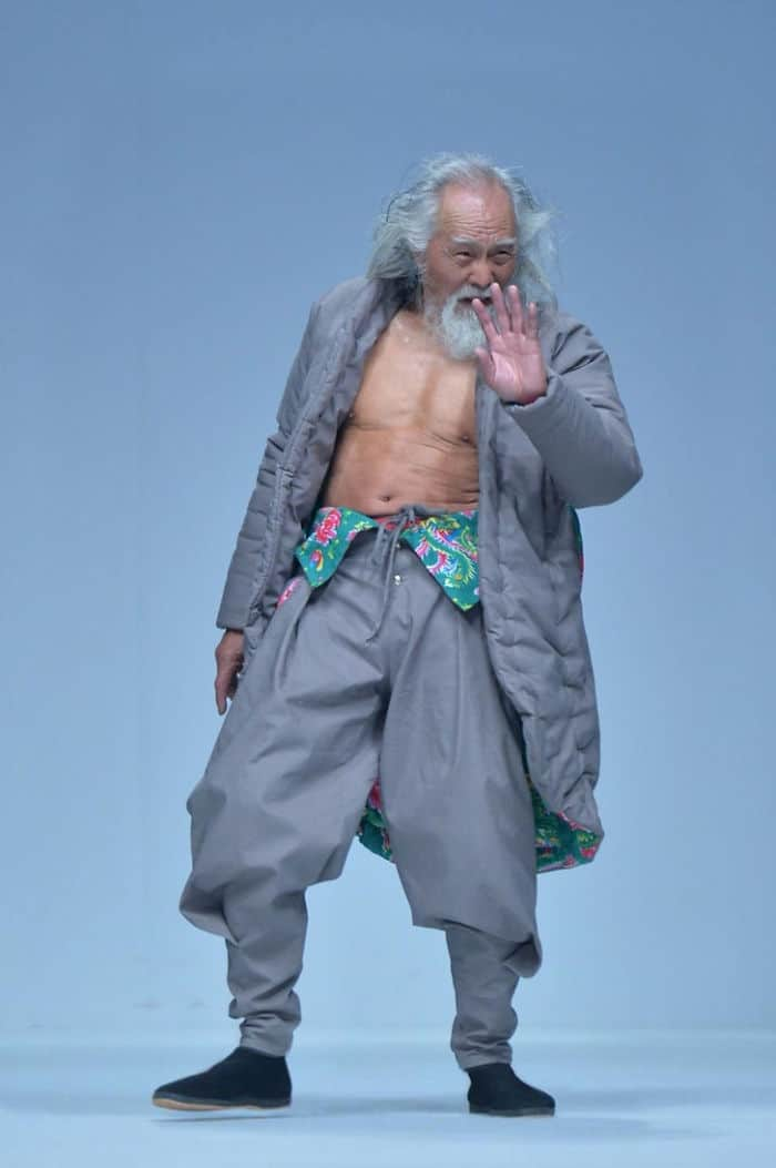 00080-year-old-model-grandpa-china-wang-deshun-3-581de8ca55c10__700