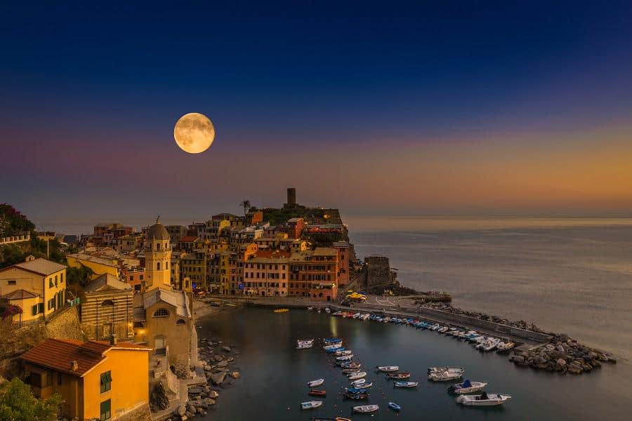 super-moon-rising-over-vernazza-cinque-terre-italy-photography-by-c2a9adrian-popan