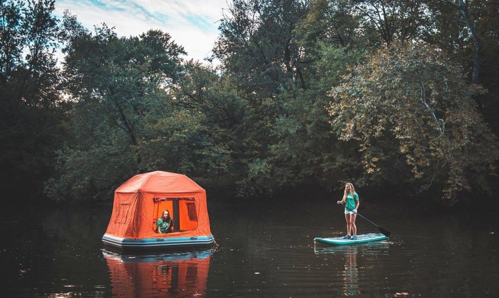Floating tent