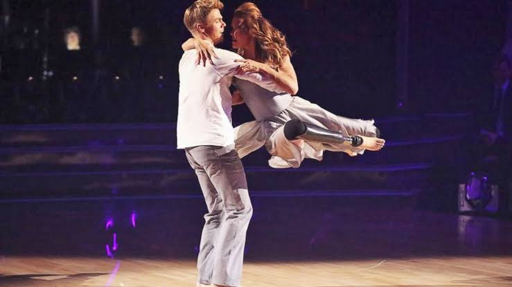 Amy Purdy dancing