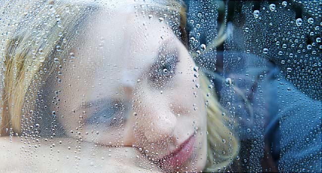 650x350 loneliness health effects slideshow