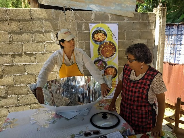 harp-teaching-about-solar-cookers