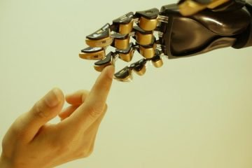 hands-touching-prosthetic