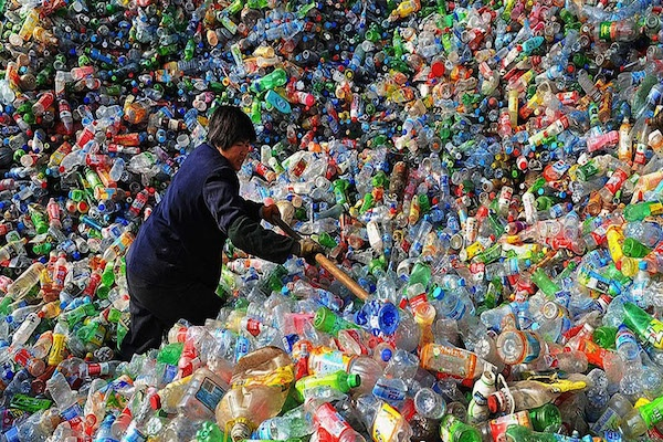 China Phases to Ban Plastic